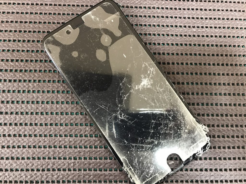 iphone6s.フロントパネル修理前1128